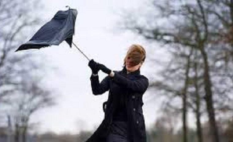 Южноуральцев предупреждают об ураганном ветре